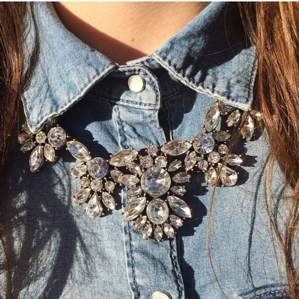 glam-and-glitter-statement-necklace